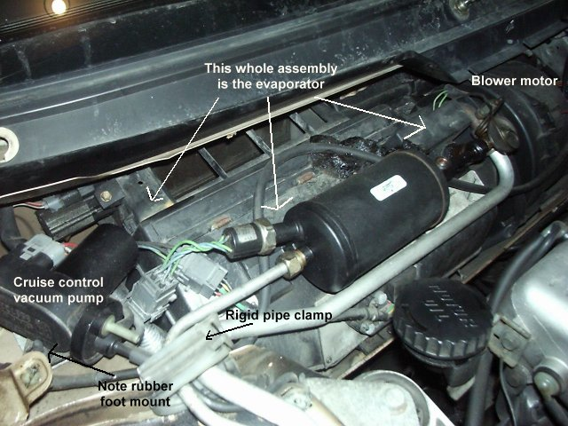 2001 F150 Wiring Diagram Free as well 2002 Mercury Grand Marquis Blower Inop in addition 2011 Chevrolet Cruze Water Outlet Diagram besides Viewtopic together with How To Change The Cabin Filter On 2010 Mercury Mariner. on 2001 lincoln town heater core replacement diagram html